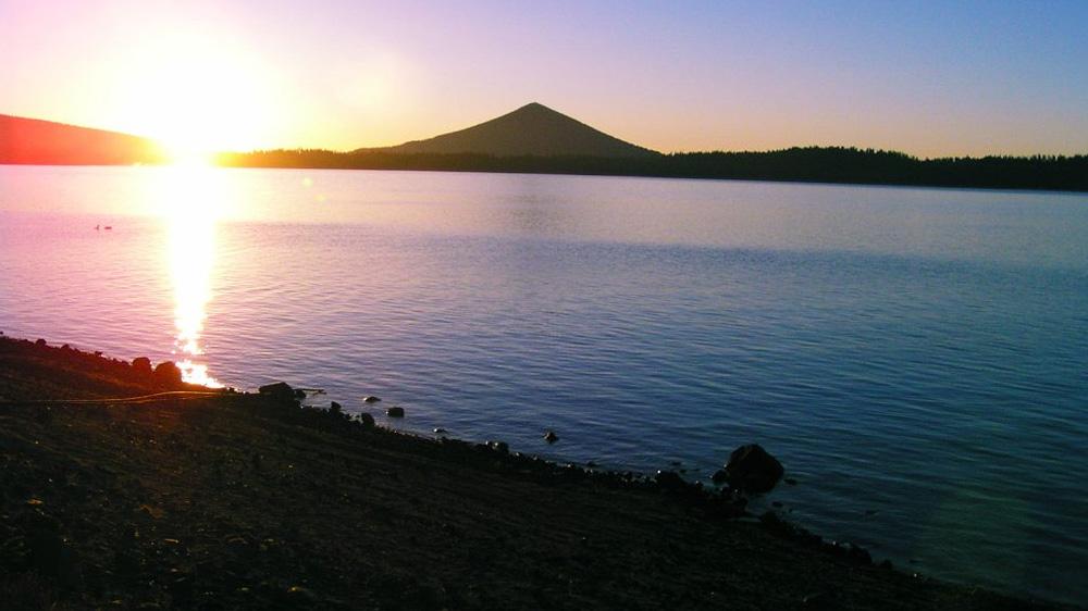 crescent-lake